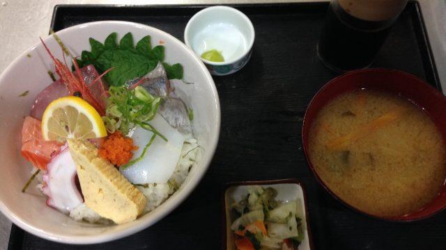 鳥取駅前ランチ・毎週火曜は、海鮮丼の日です!